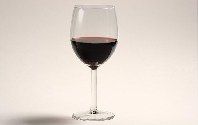 A_glass_of_red_wine